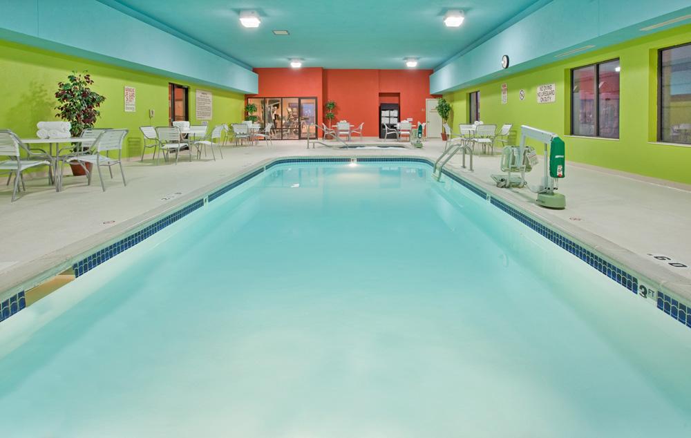 Holiday inn express suites visit norfolk nebraska - Hotels with swimming pools in norfolk ...